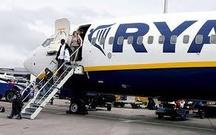 descente des passager d'un avion de Ryanair