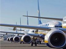 avions de Ryanair sur la piste